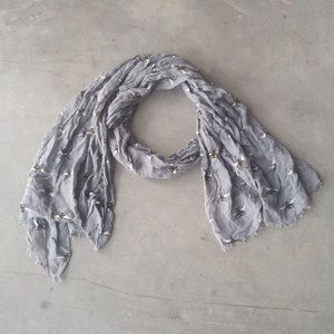 Lightweight Gray Bumble Bee Print Scarf